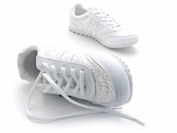 Footwear for arthritis patients: Step in to step out of the pain