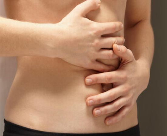 What are the symptoms of ulcerative colitis?