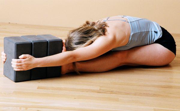 woman-hamstring-stretch