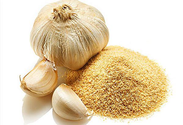 garlic and its powder