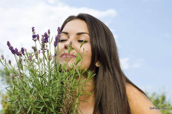 inhaling-lavender-fragrance