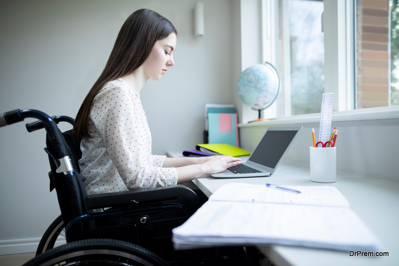 Filling online application form on the NDIS website