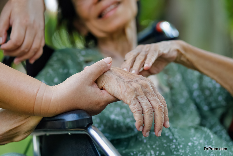 Helping an Aging Parent Transition to Assisted Living